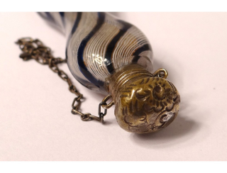 Flacon-a-sels-cristal-verre-filigrane-murano-argent-fleurs-xixeme-siecle